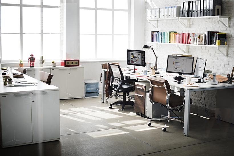 10 inča u uredu